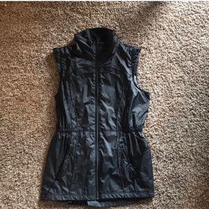 Lululemon In A Cinch Vest - Size 4